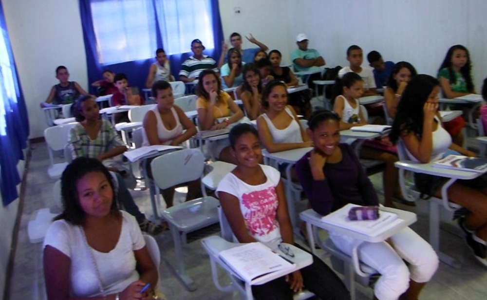 sala_de_aula_com_alunos.jpg